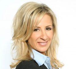 Cristina Perez Headshot