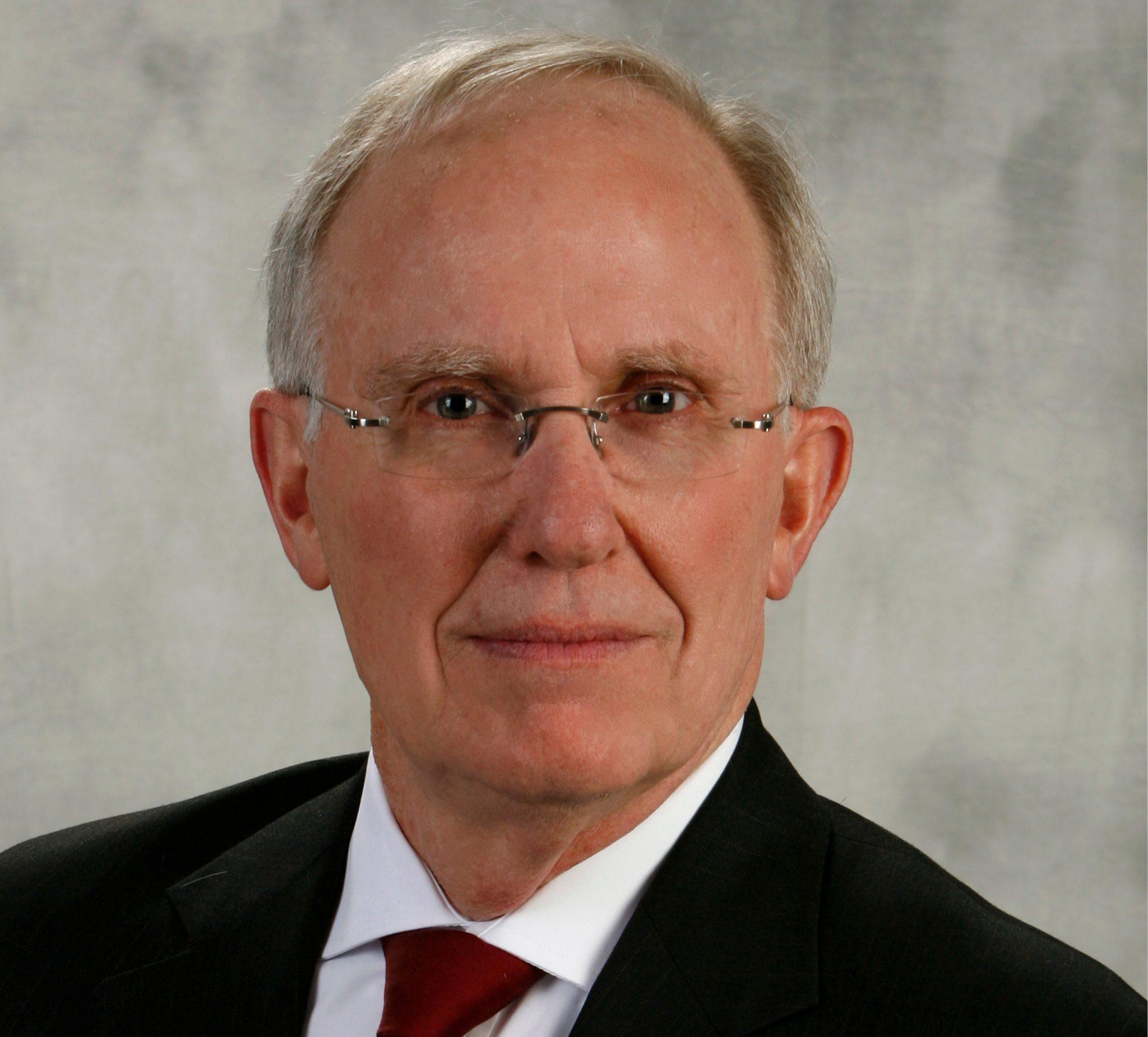 Robert Schultz Headshot