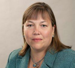 Jennifer Sackett Pohlenz Headshot