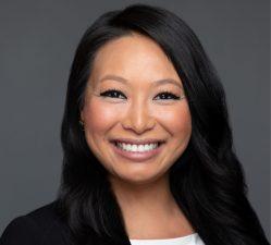 Julia Wu Headshot