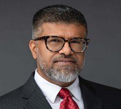 Irfan Dinani Headshot
